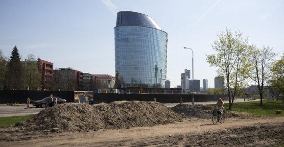 Vilniaus Žvėryno gyventojai pasipiktino statybinėmis atliekomis šalia kylančio statinio