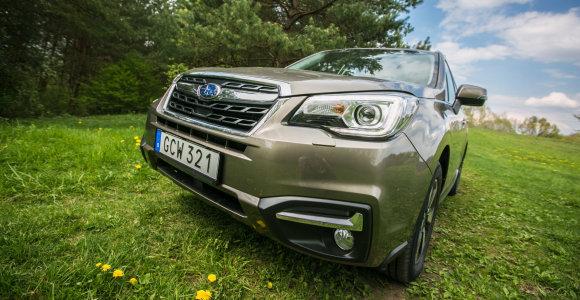 """Atnaujintas """"Subaru Forester"""" neišduoda tradicijų"""
