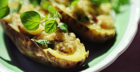 Receptai: 10 skaitytojų pamėgtų patiekalų iš bulvių