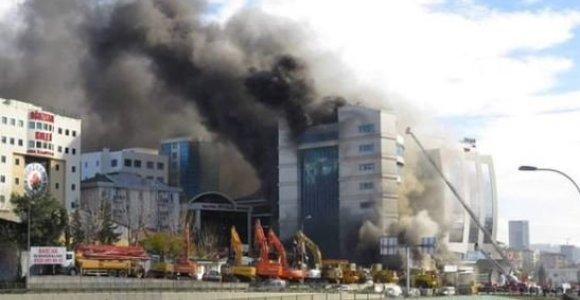 Šalia Stambulo degė viešbutis