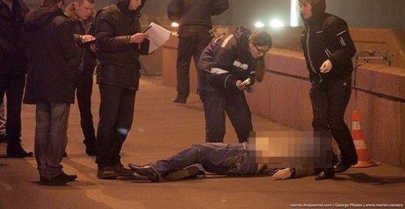 Maskvos centre kulkomis suvarpytas opozicijos lyderis Borisas Nemcovas mirė