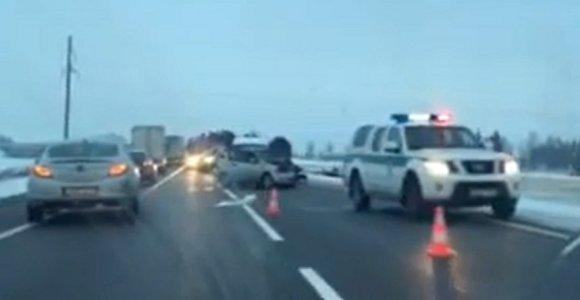 """Via Baltica"" susidūrus ""Audi"" ir ""Chevrolet"" nukentėjo ukrainiečiai ir marijampolietė"