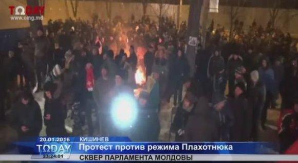 Kadras iš filmuotos medžiagos/Protestuotojai Moldovoje