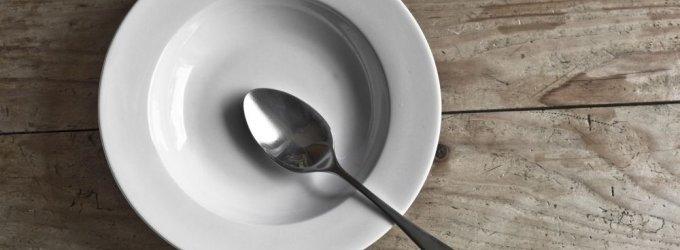 Lietuvos varguoliams Kalėdų nebus – paramą maistu dalins tik sausį