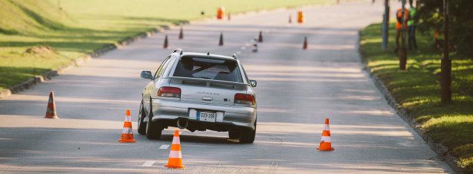 Naujai priimtos KET automobilių sporto neriboja