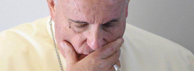 Popiežius Pranciškus griežtai sukritikavo Vatikano biurokratiją