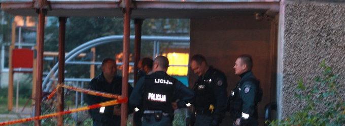 Vilniaus daugiabučio kieme aidėjo šūviai, sužeisti du žmonės