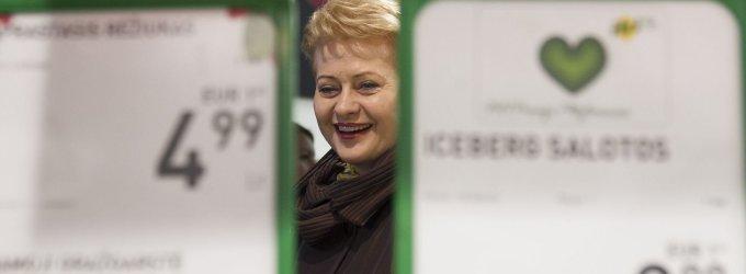 Dalia Grybauskaitė palaimino žemės įsigijimo trukdiklius, kurie lietuviams nebeleis nei laisvai pirkti, nei parduoti žemės