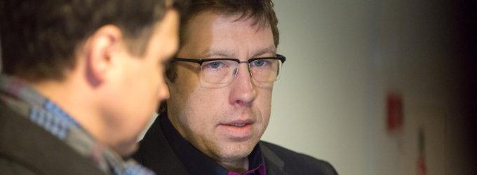 Prokuroras sutinka nesodinti Jono Radzevičiaus į kalėjimą, o advokatui net to negana