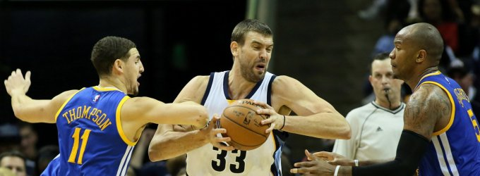 "NBA: ""Grizzlies"" nutraukė pergalingą ""Golden State Warriors"" seriją"