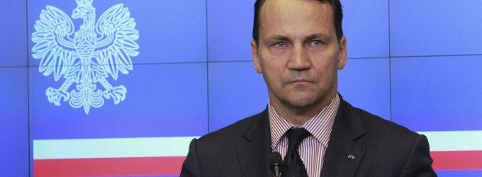 """Lenkijos Seimo pirmininkas R.Sikorskis: """"V.Putinas gali būti teisus, kad negintume Baltijos šalių"""""""