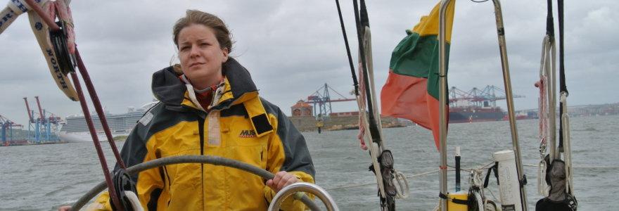 """Pirmasis plaukimas tautine jachta """"Ambersail"""": prausykla, Armani kostiumas ir """"Rusijos povandeninis laivas"""""""