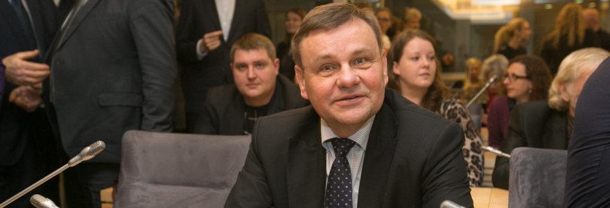 Kam įstatymus rašo Seimo pirmasis vicepirmininkas Vydas Gedvilas?