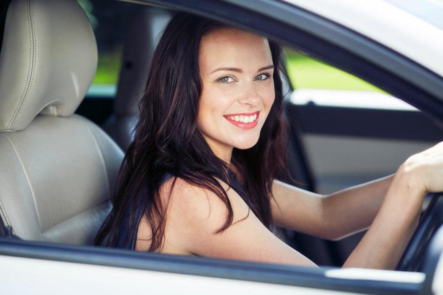 Vida Press nuotr. / Moteris vairuoja