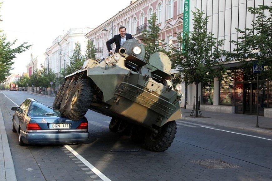 Meras Artūras Zuokas meta iššūkį neleistinose vietoje automobilius statantiems žmonėms