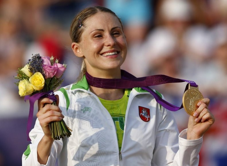 Laura Asadauskaitė iš Lietuvos laimėjo aukso medalį šiuolaikinės penkiakovės rungtyje