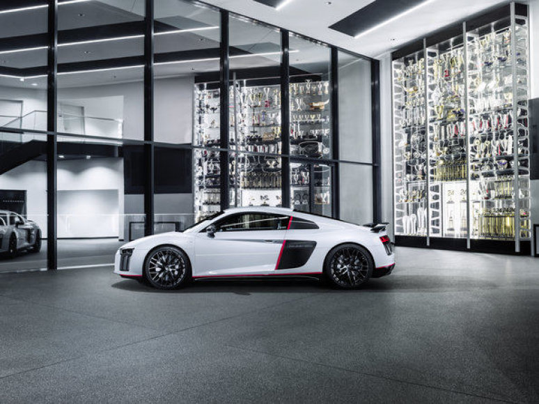"""Audi R8 Coupe V10 plus"""