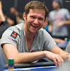 """Video: """"PokerStars Pro"""" žvaigdė Eugene'as Katchalovas išrinktąjai pasipiršo ant ugnikalnio"""