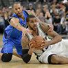 NBA savaitės krepšininkai – Isaiah Thomas ir LaMarcus Aldridge'as